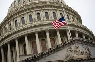 ABD'de Covid-19 can kayıpları yarım milyonu geçti: Bayraklar yarıya indirildi