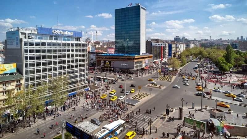Ankara'da gezilecek yerler Kızılay Meydanı