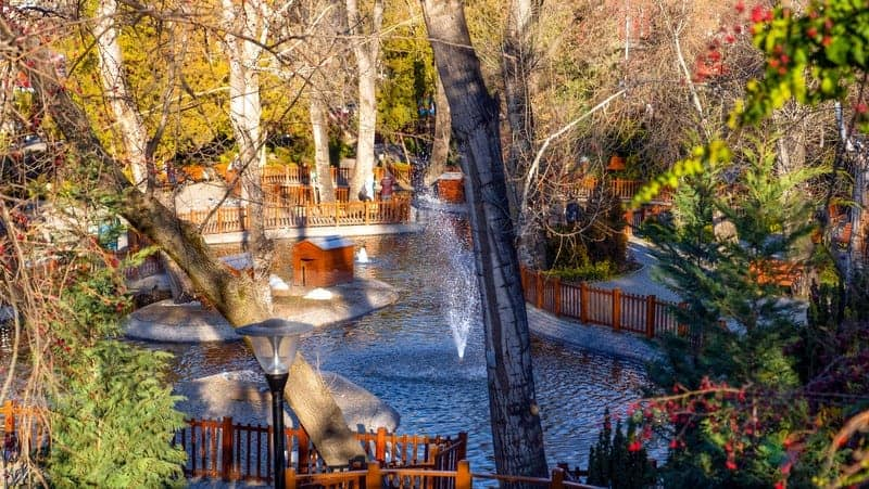 Tunali Hilmi Caddesi Kuğulu Park Ankara tatili