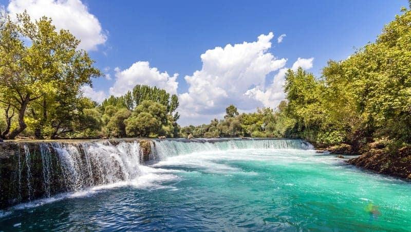 Antalya gezilecek yerler Manavgat Şelalesi