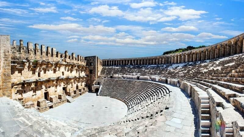 Aspendos Antik Tiyatro Antalya'da görülmesi gereken yerler