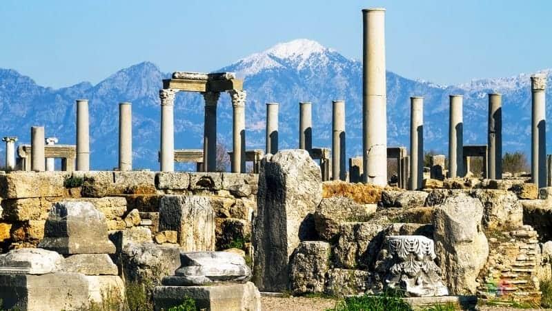 Perge Antik Kenti Antalya gezilecek yerler